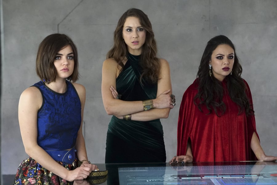 "14 Characters Who Could Totally Have Been ""A"" on Pretty Little Liars"