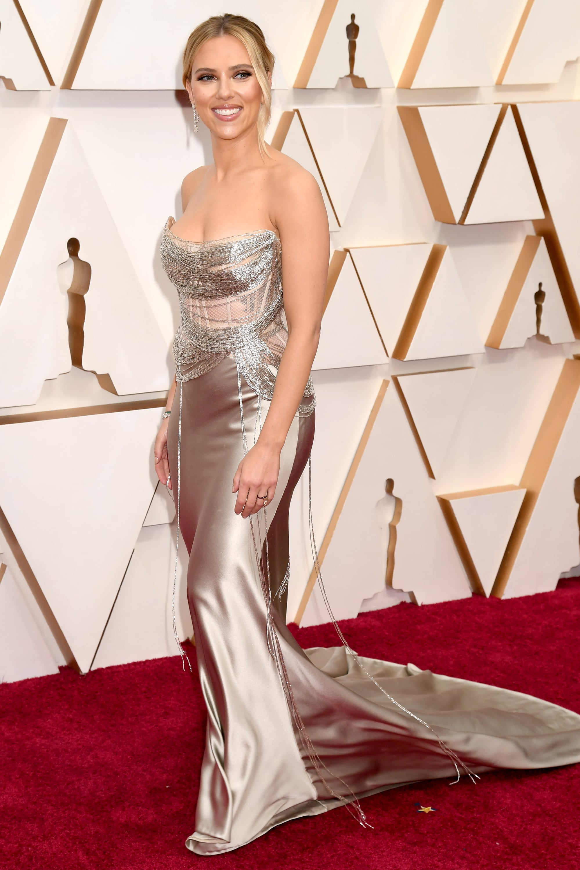 HOLLYWOOD, CALIFORNIA - FEBRUARY 09: Scarlett Johansson attends the 92nd Annual Academy Awards at Hollywood and Highland on February 09, 2020 in Hollywood, California.
