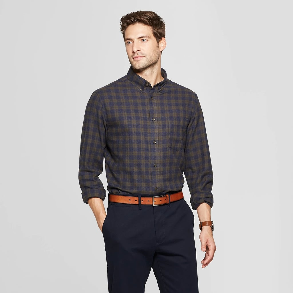 Men's Standard Fit One-Pocket Flannel Long Sleeve Collared Button Down