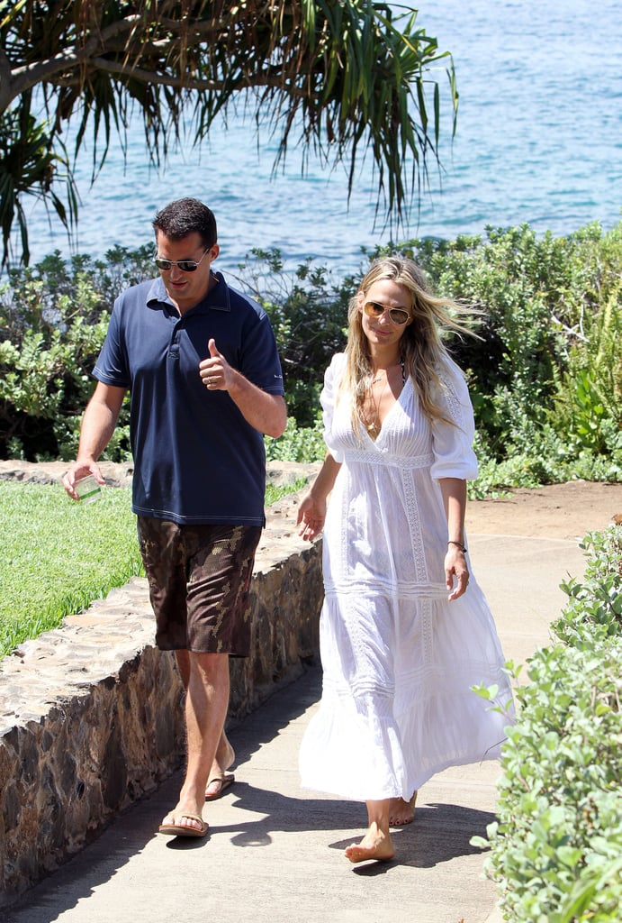 Molly Sims and Scott Stuber out for a walk.