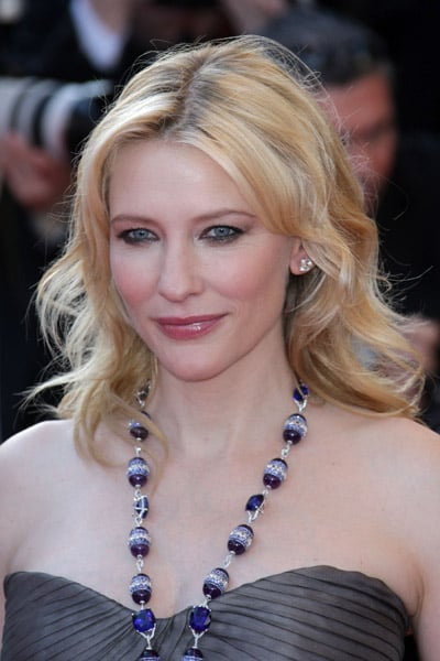Cate Blanchett Smokes Up the Carpet