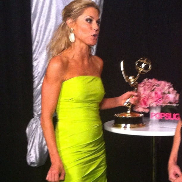 Julie Bowen made her way backstage to chat with us following her exciting win. Source: Instagram user popsugar