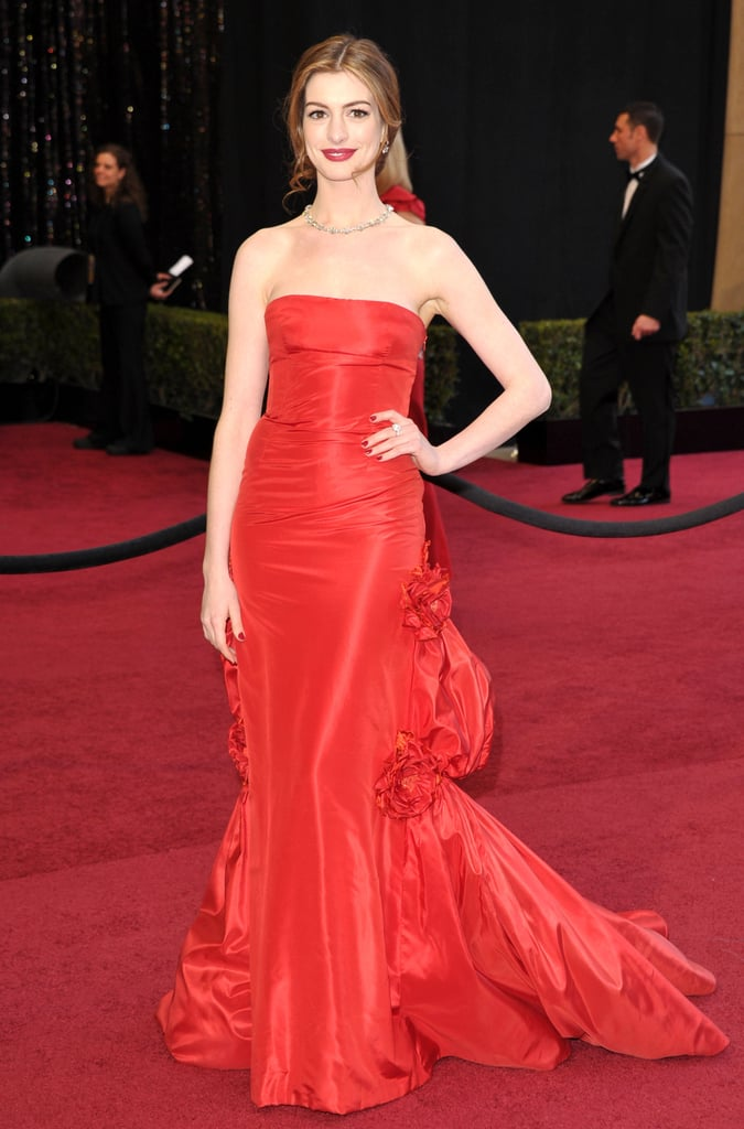 Anne Hathaway at the 2011 Academy Awards