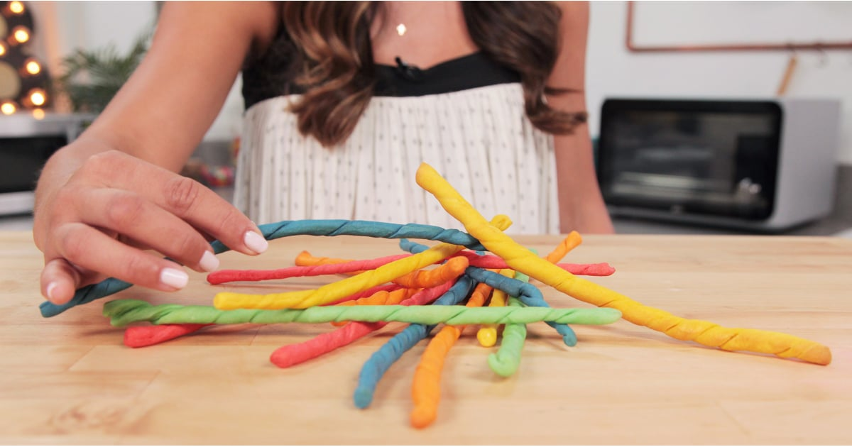 PopsugarLivingGet The DishRainbow Edible Pick-Up SticksThese Edible Pick-Up Sticks Let You Play With Your FoodFebruary 12, 2018 by Brandi Milloy44 SharesChat with us on Facebook Messenger. Learn what's trending across POPSUGAR.Before video game consoles and mobile games, there was good, old-fashioned pick-up sticks. You'd grab a handful of brightly colored wooden sticks, let them fall in a pile and carefully remove them without disturbing the others. We just took this classic game to the next level by making our pick-up sticks out of bread sticks! This recipe is your excuse to play with your food. You're welcome!For more fun snacks, try our pretzel fairy wands and our Jell-O marshmallow roll-ups. Edible Pick-Up SticksFrom Kevin Smith, POPSUGAR FoodIngredients1 packet yeast3/4 cup warm water1 teaspoon sugar2 cups flour3 tablespoons olive oil1 1/2 teaspoon saltRed, orange, yellow, green, and blue food coloringDirectionsIn a large bowl, combine yeast, water, and sugar. Add flour, olive oil, and salt and mix toge - 웹