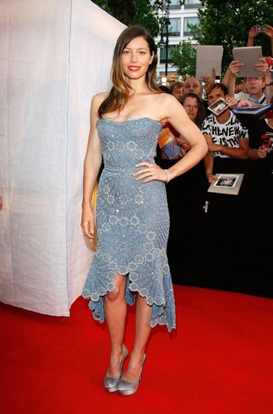Jessica Biel is brilliant in blue in this intricate Atelier Versace dress and super satin shoes. Crimson lips perfectly match the red carpet.