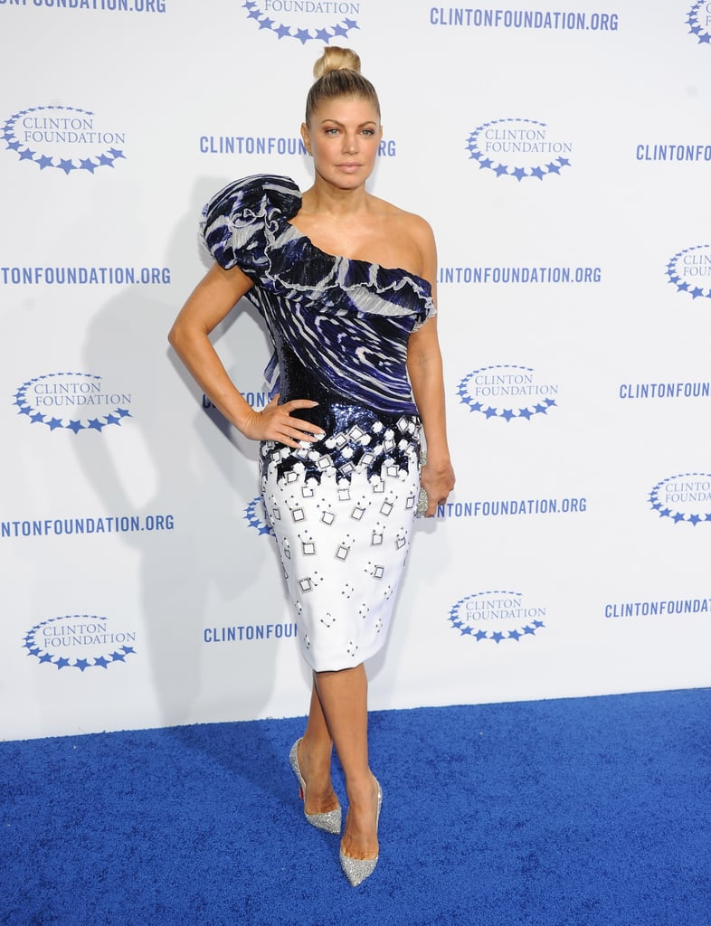Fergie also chose to wear a navy and white dress to the gala.