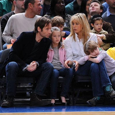 David Duchovny, Madelaine Duchovny, Tea Leoni, Kyd Duchovny at the Knicks Game