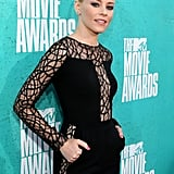 Elizabeth Banks in a sexy dress at the 2012 MTV Movie Awards.