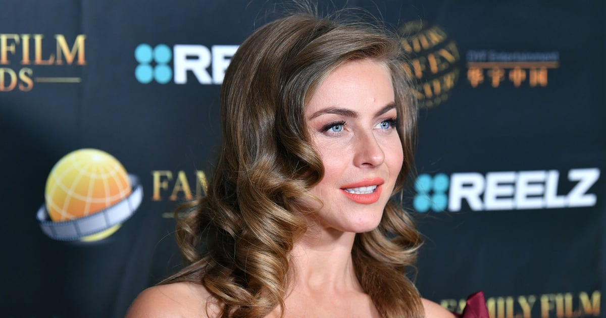 Julianne Hough Got Highlights For the First Time in 2 Years With This '90s-Style Trend.jpg