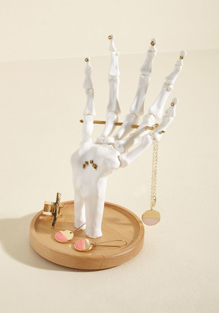Go to Extremities Jewelry Stand