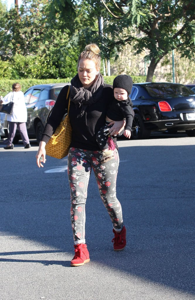 Hilary Duff gave Luca Comrie a lift as they went grocery shopping.