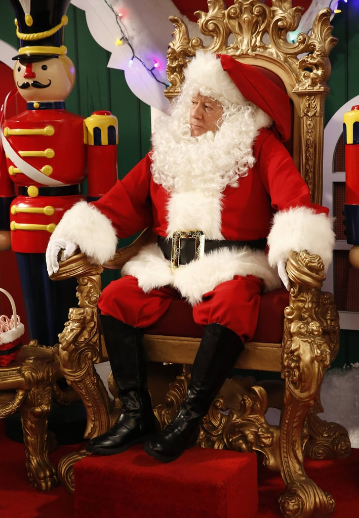 Dads David gets a job as a mall Santa on the upcoming episode.
