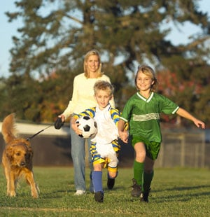 Ways For Soccer Moms to Work Out During Practice
