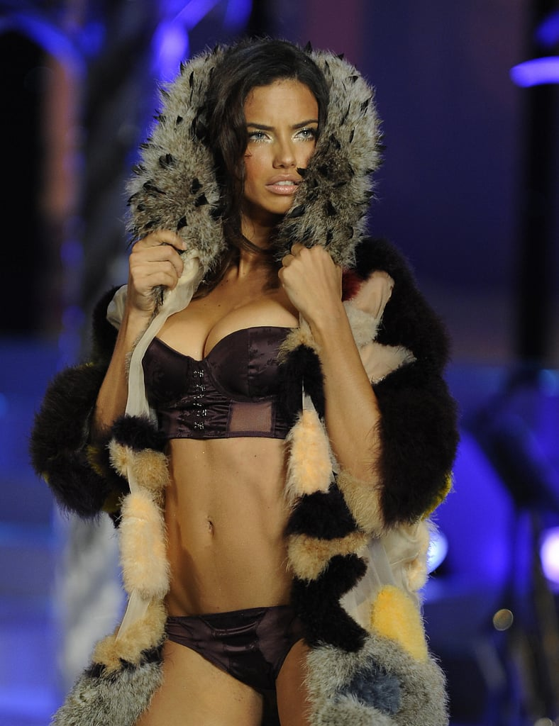 Adriana Lima showed off her toned tummy for the Victoria's Secret Fashion Show in November 2008 in Miami.