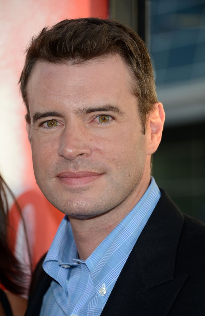 Scott Foley looked handsome in blue at the premiere in Holywood.