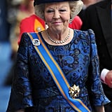 Princess Beatrix of the Netherlands left her son's inauguration ceremony.