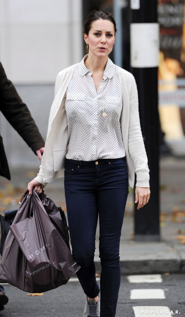 Kate middleton shopping in london at zara home popsugar celebrity photo 6 - Zara home la madeleine ...