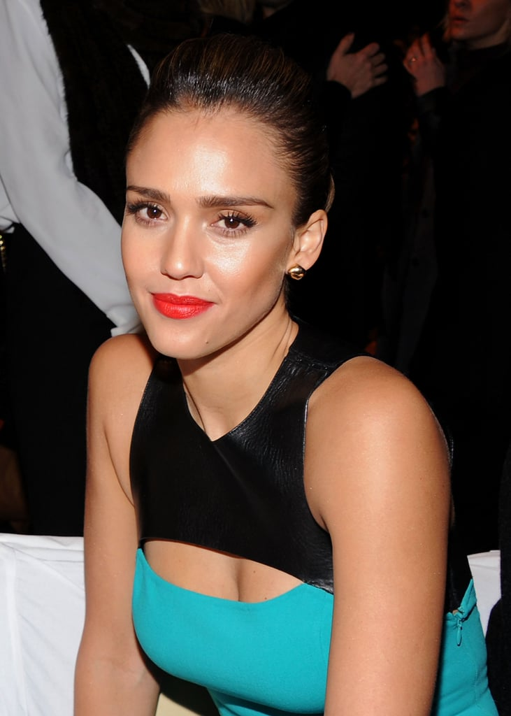 Jessica Alba wore Heat Wave by NARS on her lips.