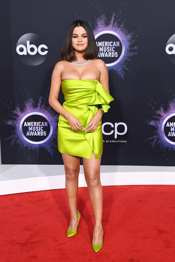 Selena Gomez's Lime-Green Versace Dress at the AMAs