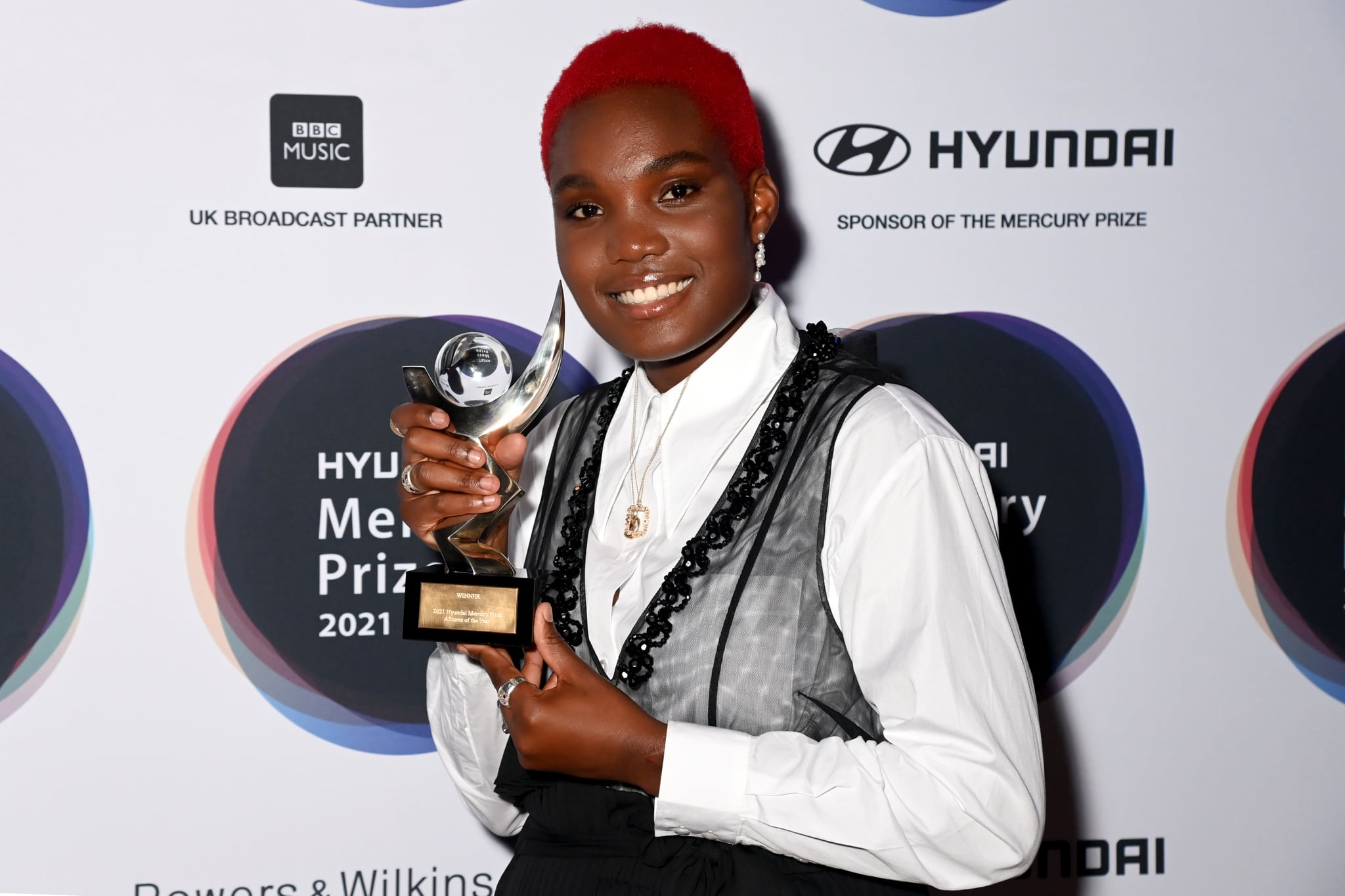 LONDON, ENGLAND - SEPTEMBER 09: (Editorial use only in relation to event) Arlo Parks after winning the Hyundai Mercury Music Prize 2021 at Eventim Apollo, Hammersmith on September 09, 2021 in London, England. (Photo by Dave J Hogan/Getty Images)