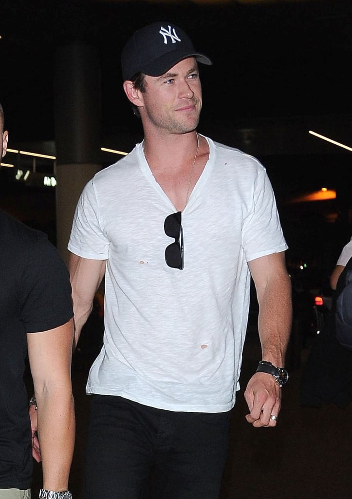 Chris Hemsworth At The Airport September 2015 Pictures