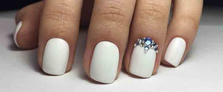 30 Chic Wedding Nail Art Ideas Your Mom Won't Yell at You For Wearing