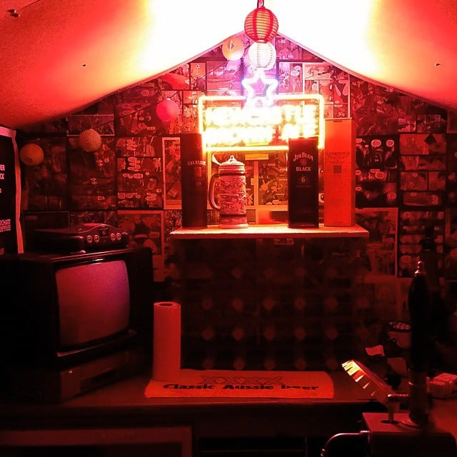 The right lighting will set a festive mood in any pub shed.