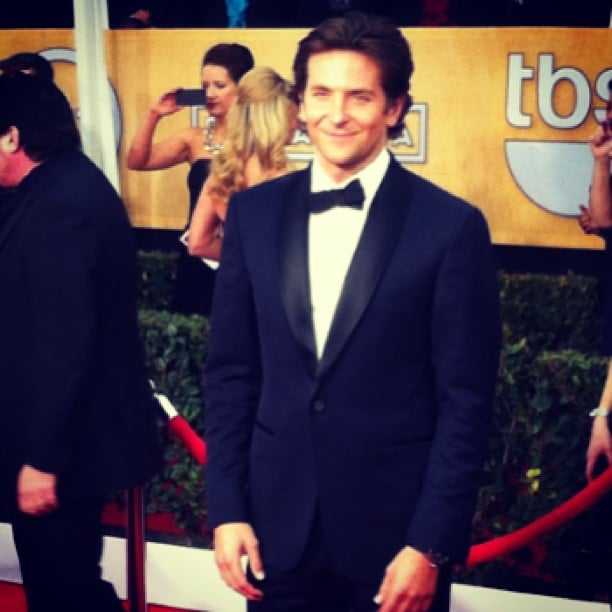 Bradley Cooper proved to us that he can really rock a suit.