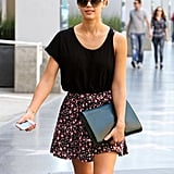 Jessica Alba carried a large clutch.