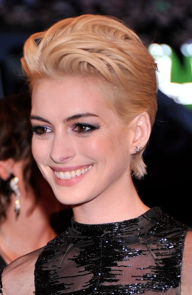 Anne Hathaway's Hair and Makeup