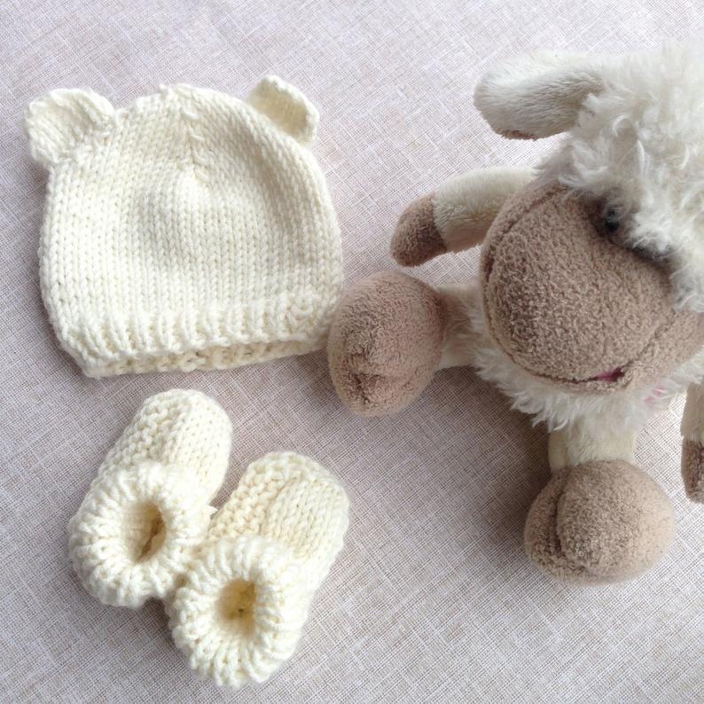 Newborn Wool Hat and Shoe Set