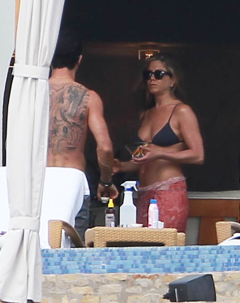 Jennifer chatted with Justin Theroux during a Cabo vacation in January.