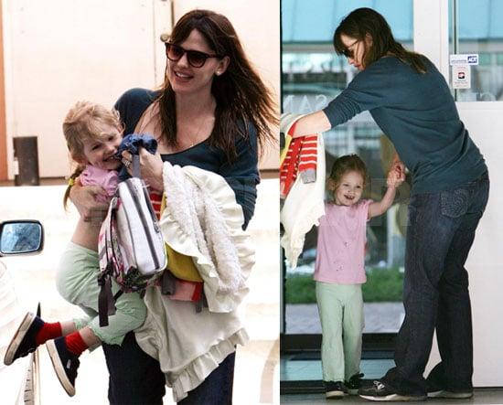 Photos of Jennifer Garner Picking Up Violet Affleck From School