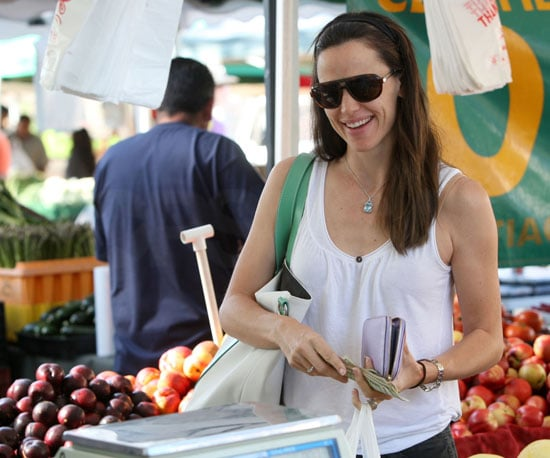 Slide Picture of Jennifer Garner at Farmers Market