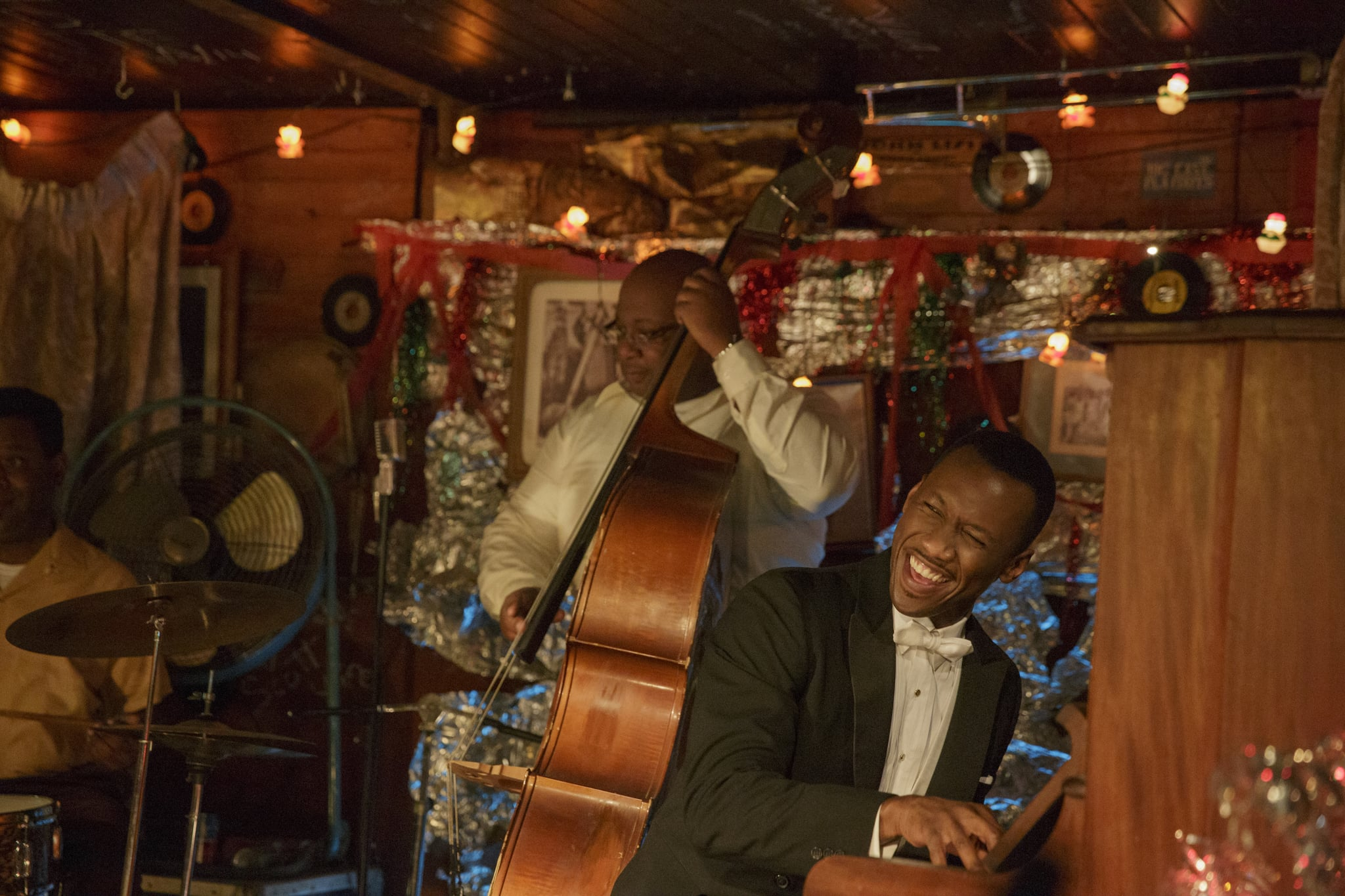 Dr. Donald Shirley (Mahershala Ali, right) gives an impromptu performance in