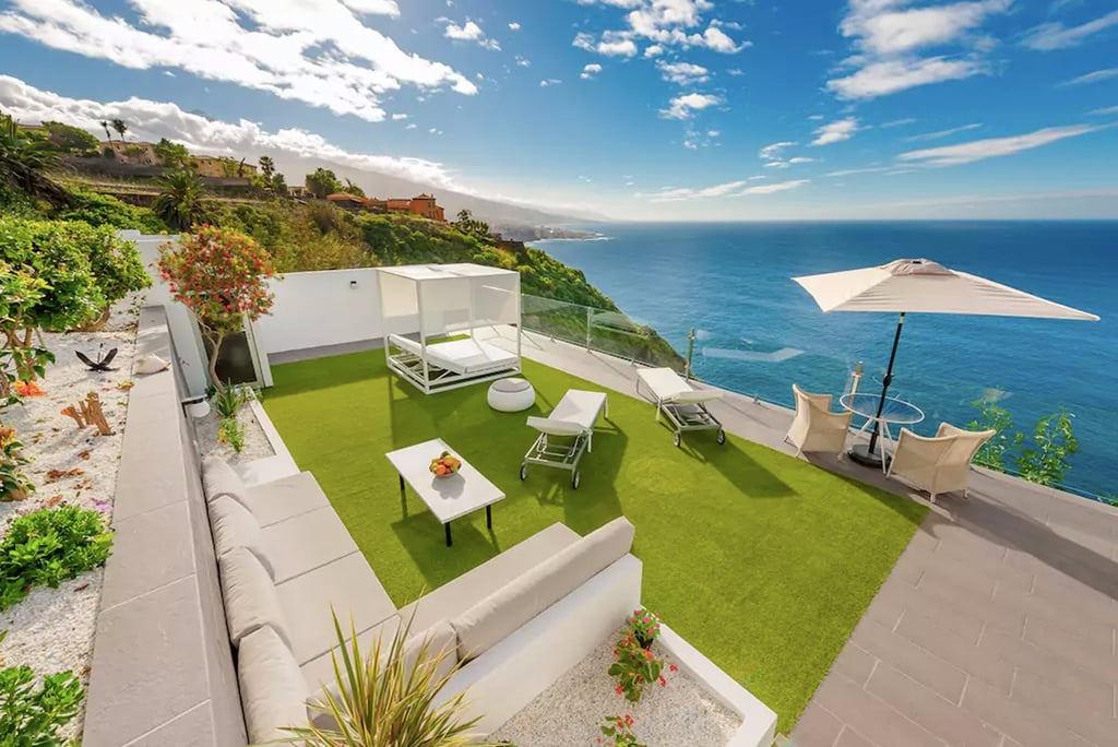 Cliffside Airbnbs