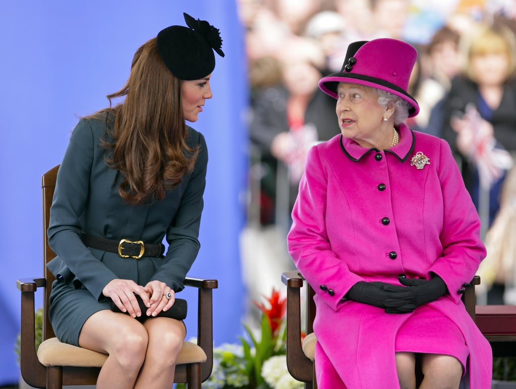 Kate and Queen Elizabeth Chatting 2012 | Meghan Markle and Kate ...