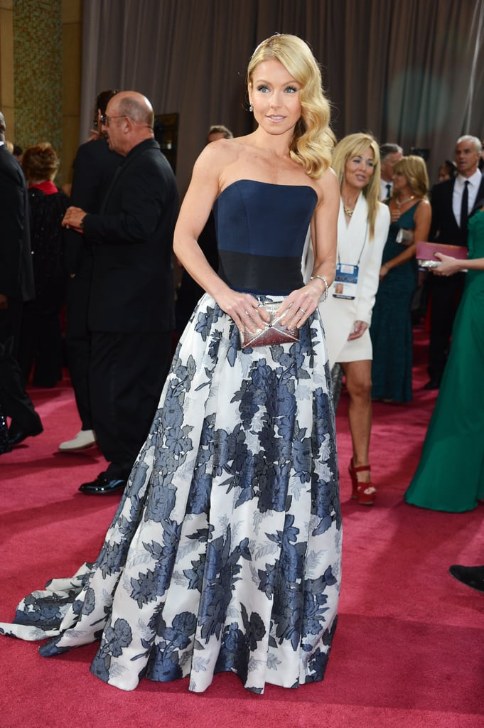 Kelly Ripa on the red carpet at the Oscars 2013.