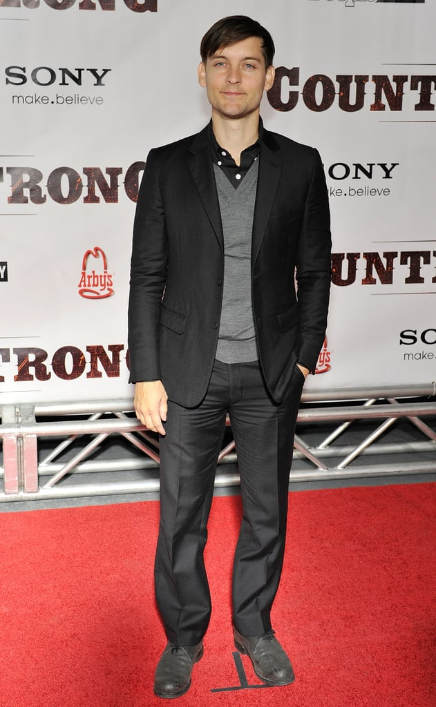 Pictures of Gwyneth Paltrow at Country Strong Premiere