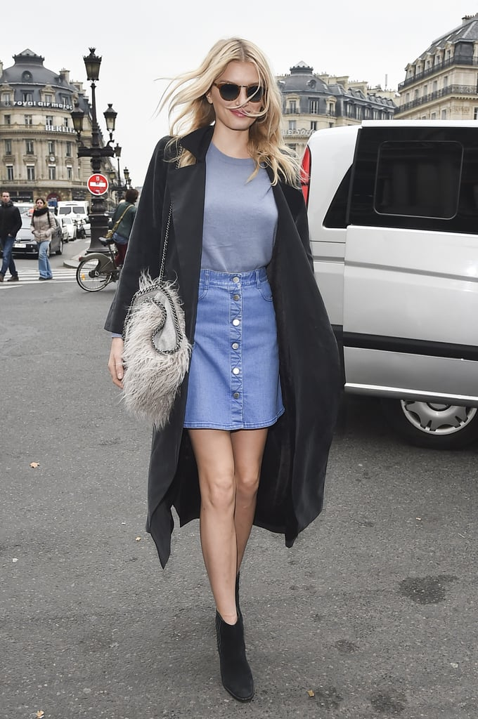 For a Transitional Outfit, Style Your Denim Skirt With a Simple Tee and a Duster Jacket