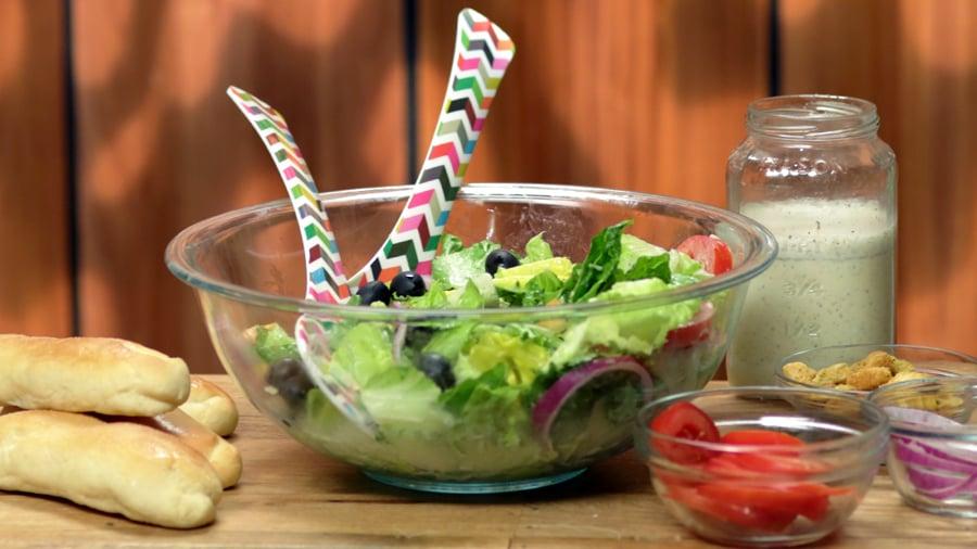 Olive Garden's Italian Salad Dressing