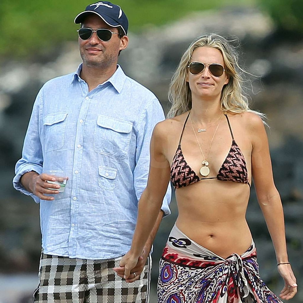 Molly Sims and Scott Stuber held hands in Maui.