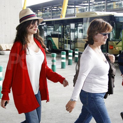 Penelope Cruz and Encarna Sanchez Fly to Madrid