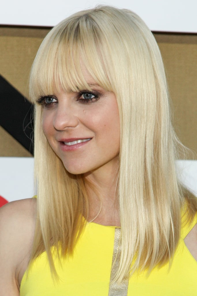 Blunt bangs and smoky eye makeup brought Anna Faris's look together for the CW, CBS, and Showtime TCA party.