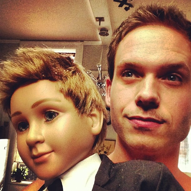 Patrick J. Adams took a photo with his smaller self. Source: Instagram user halfadams