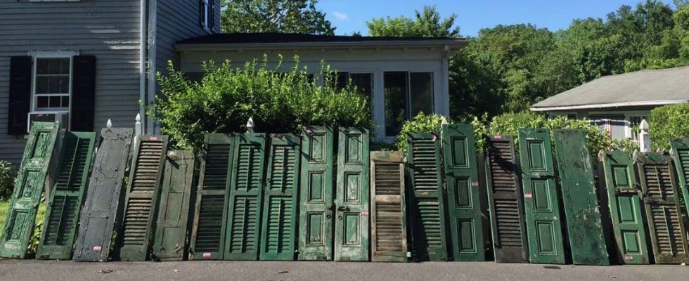 New Jersey Residents Repair Elderly Neighbor's House