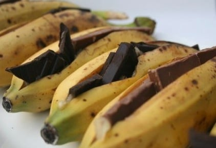 Yummy Links: From Chocolate-Stuffed Bananas to Spy Chefs