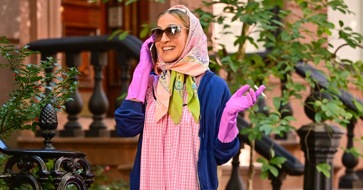 Carrie Bradshaw's Pink Granny-Chic Outfit Has the Internet Equally Confused and Excited.jpg