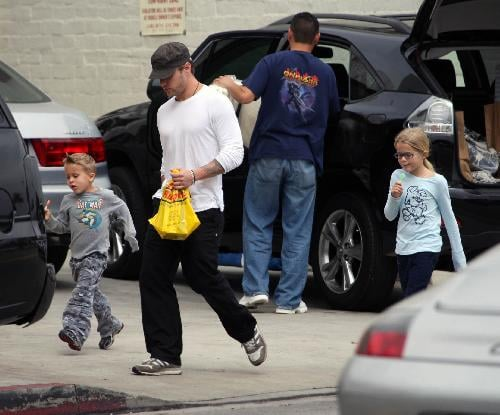 Ryan Phillippe ran errands with Ava and Deacon