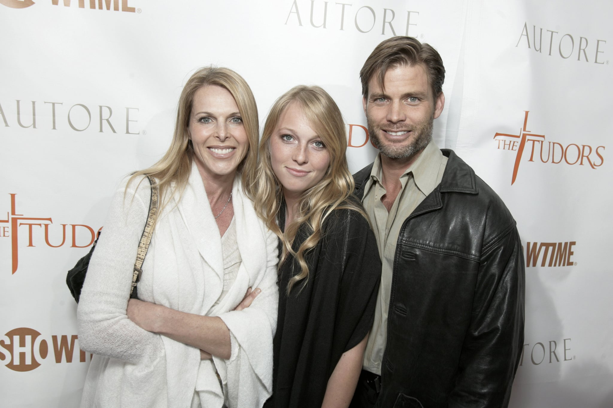 Catherine Oxenberg, India Oxenberg and Casper Van Dien (Photo by E. Charbonneau/WireImage for Showtime Networks)